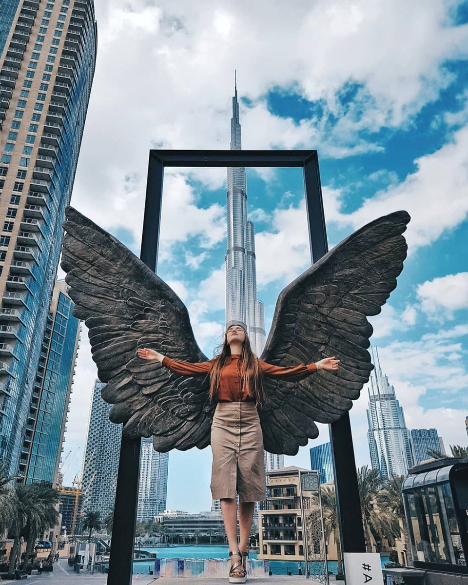 sculpture wings of mexico by jorge marin