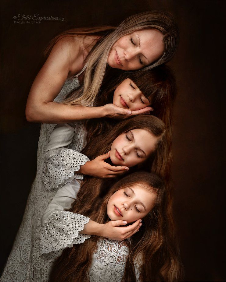 family portrait photography indoor by lucia staykov
