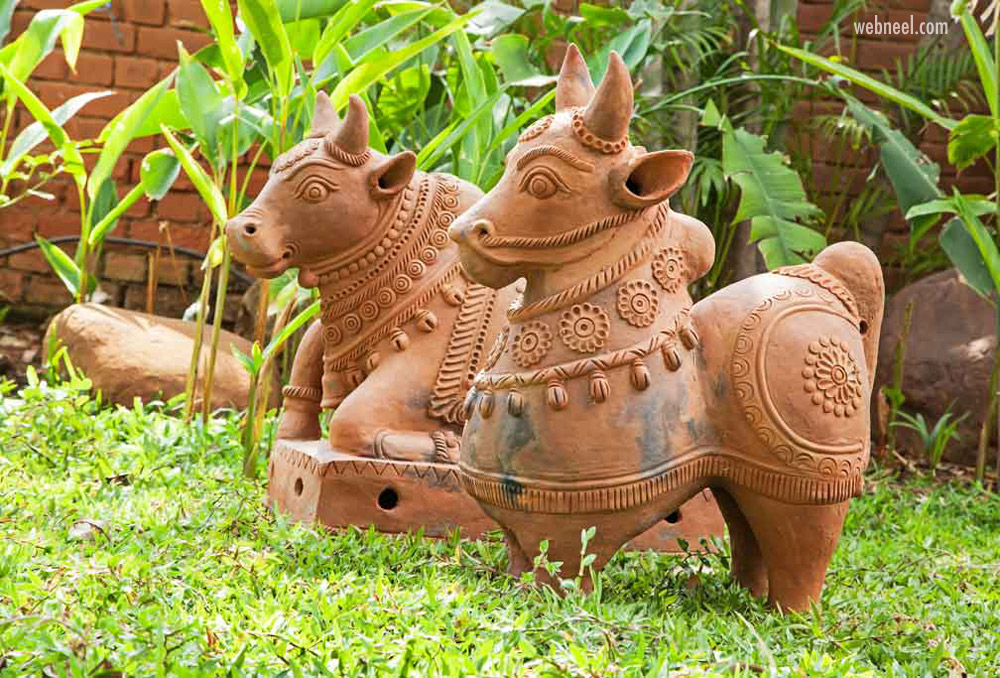 indian terracotta sculpture bull outdoor