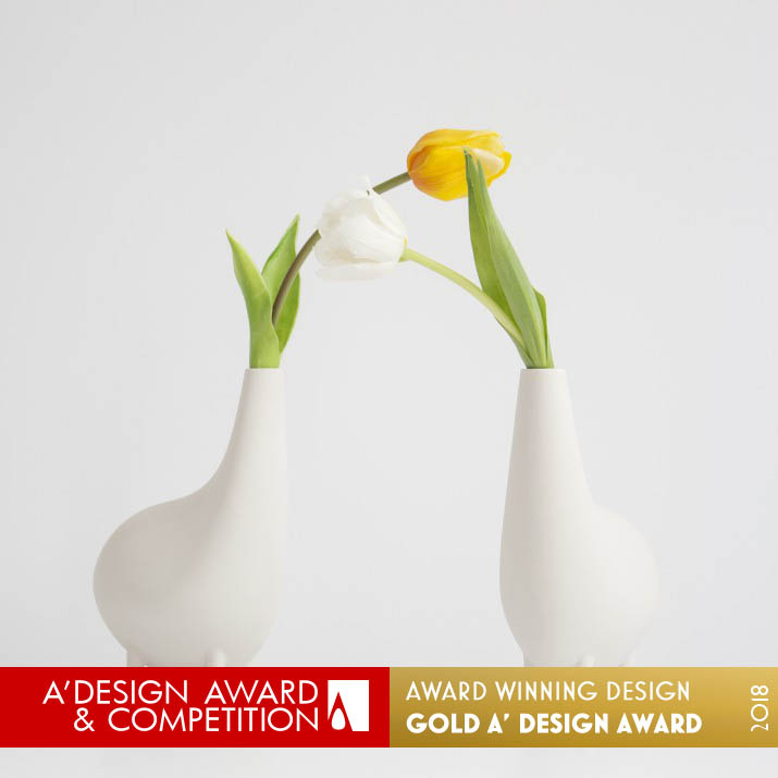 little bo flower vase award winning design by santiago bautista