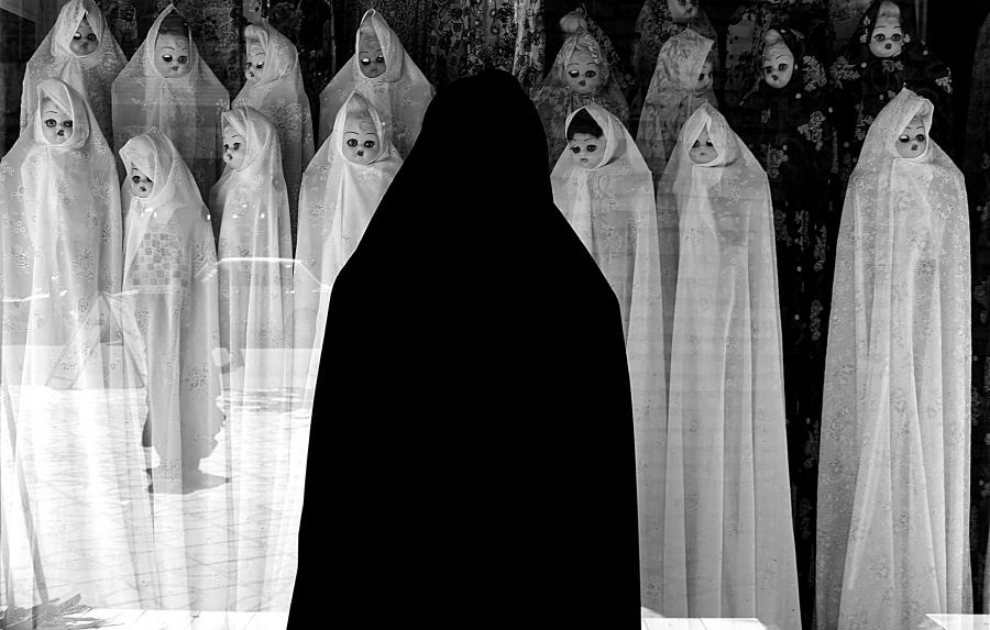 white veils monochrome photography by farzad ariannejad