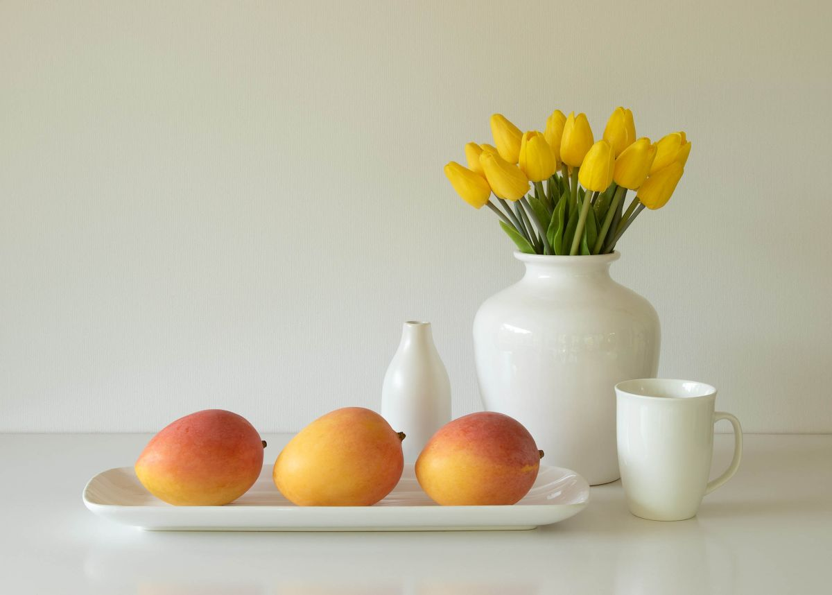 still life photography mangoes