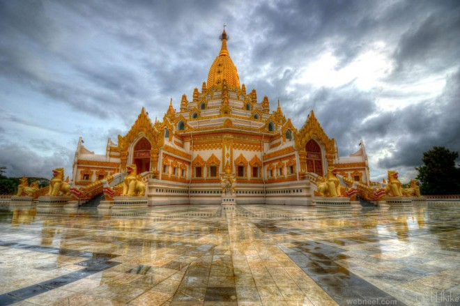 temple reflection photography