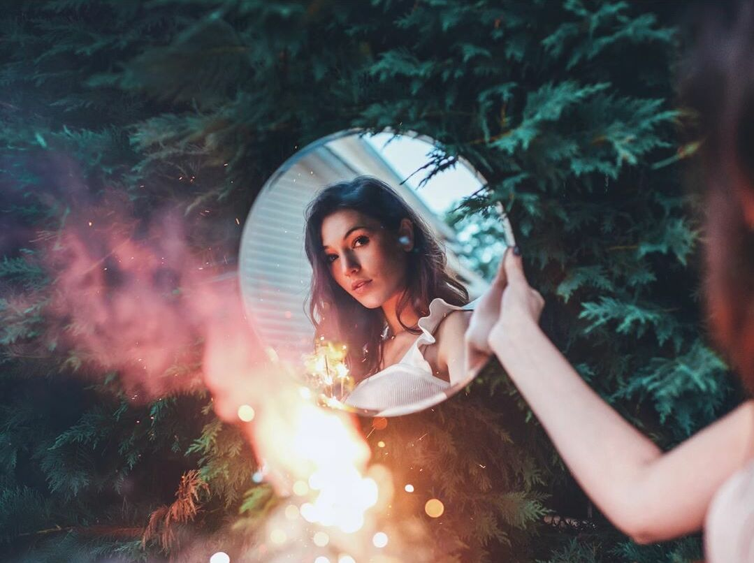 Lights Up Chin Up Smile Creative Photography Ideas By