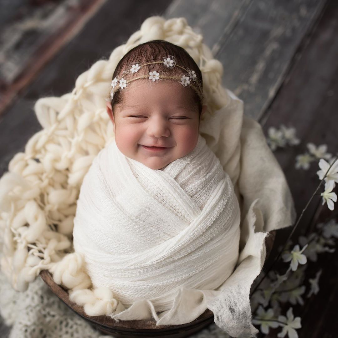 newborn baby photography by laury banboukian