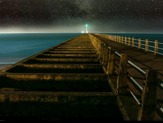shine light photo linea into the horizon