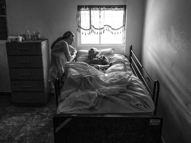 shine light photo black and white