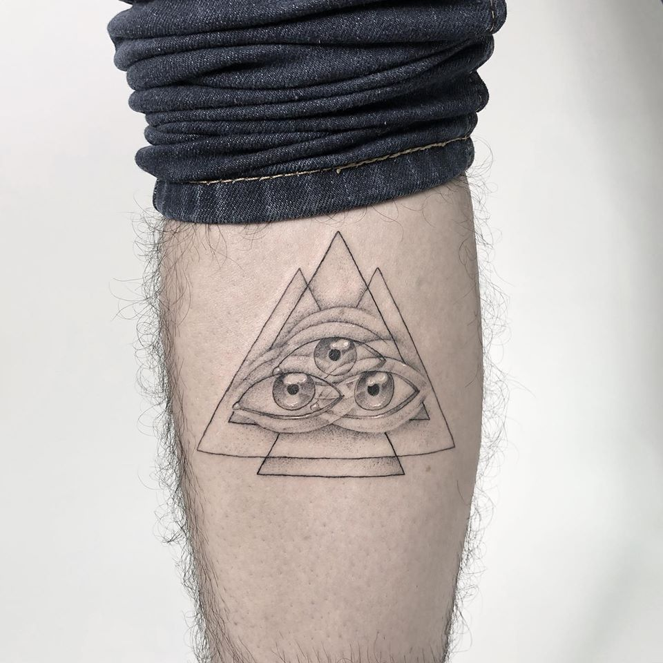 optical illusion tattoo triangle eye by yatzil elizalde