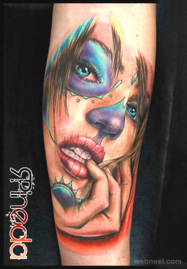 woman face tatto hand