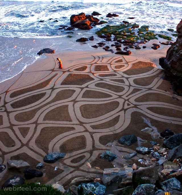 creative beach art