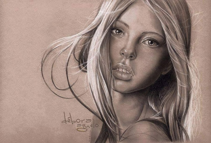 realistic woman drawing by debora aguelo
