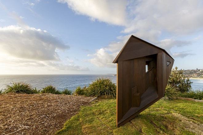 transporter sculpture by the sea by dale miles