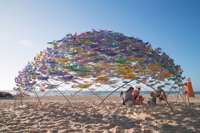 fishes sculpture by the sea by jane cowie