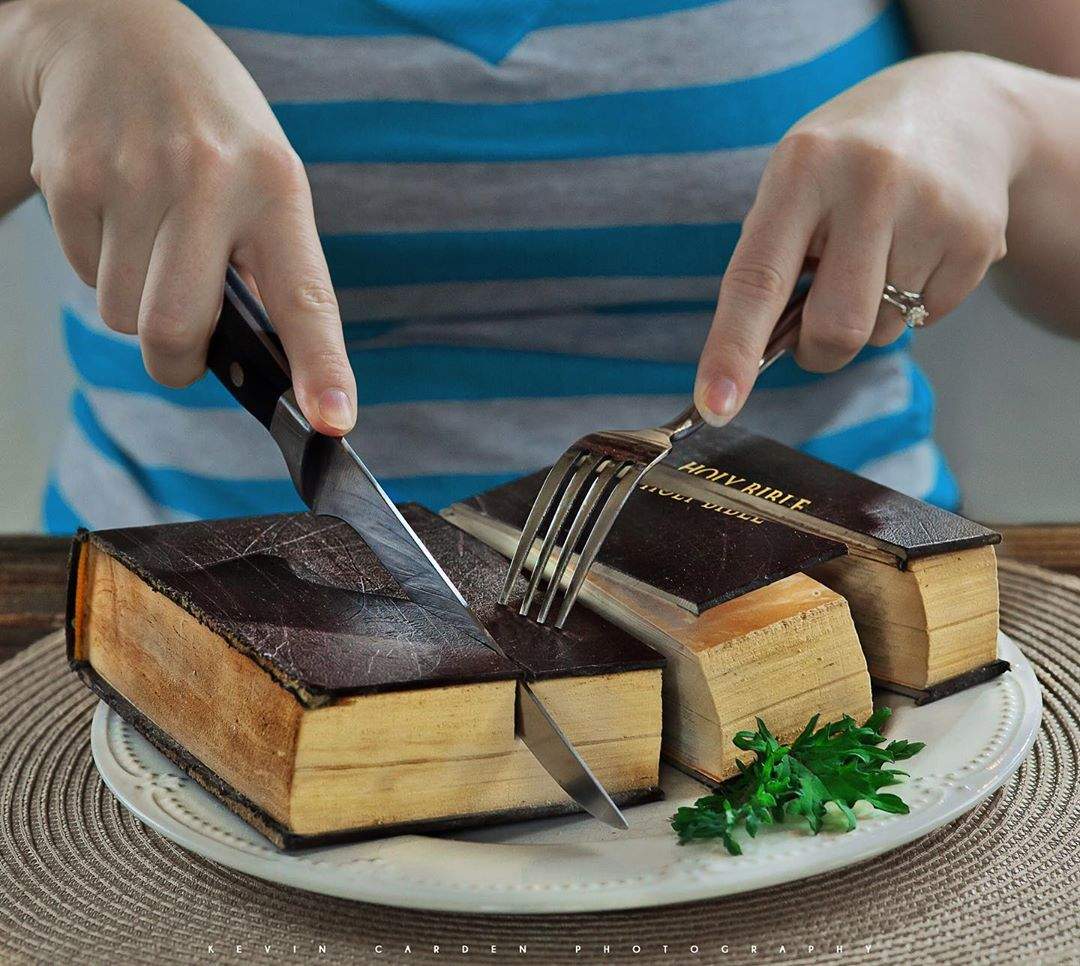 photomanipulation cake by christian