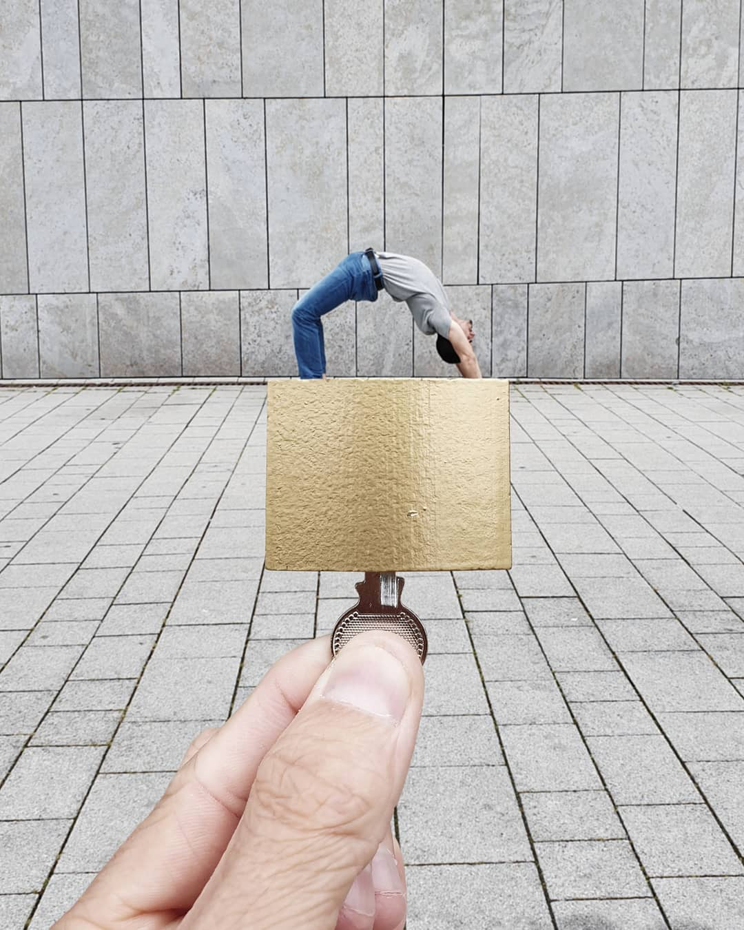 forced perspective photography lock