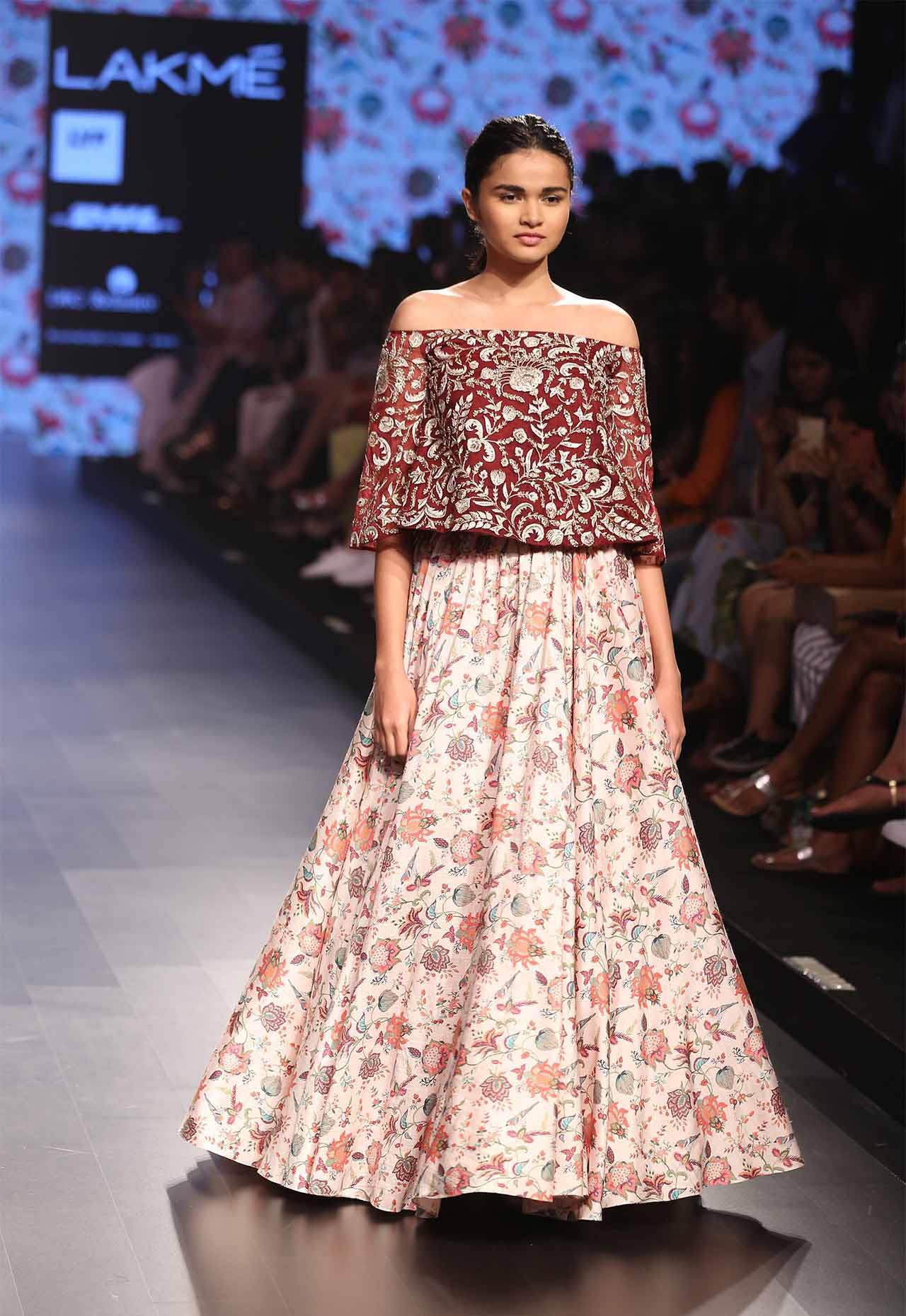 10-blouse-designer-by-payal-singhal