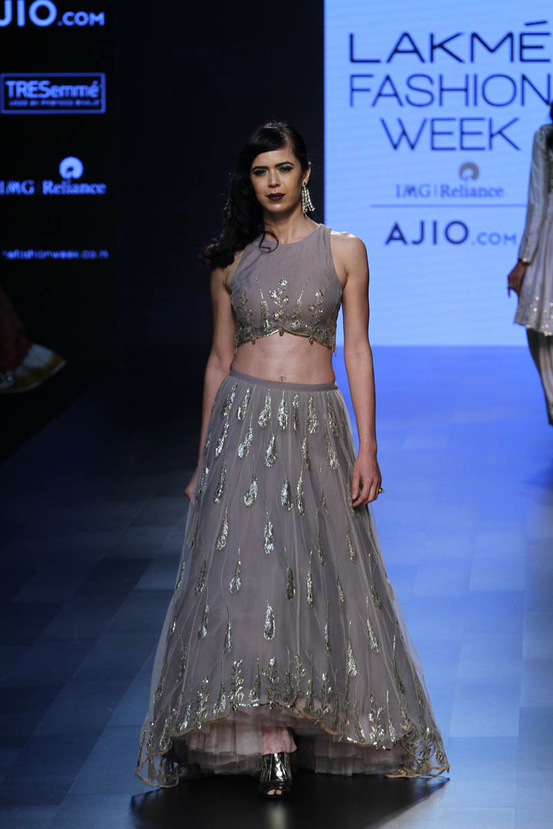 12-blouse-designer-by-payal-singhal