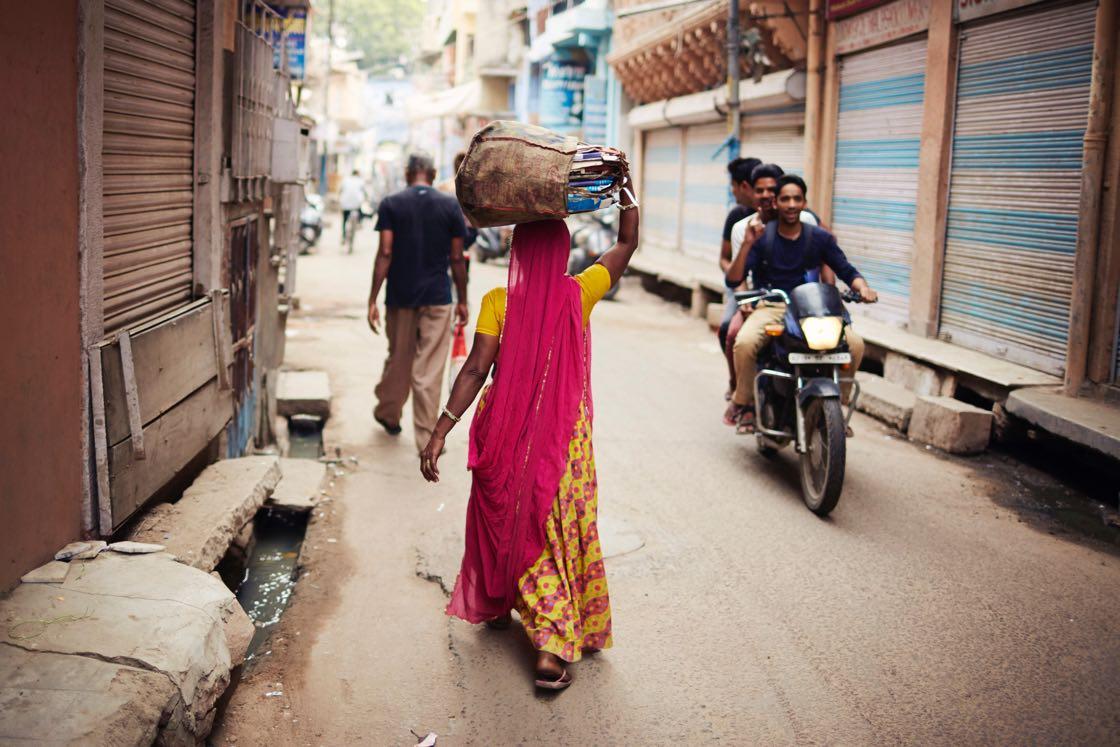 3-picfair-women-behind-lens-contest