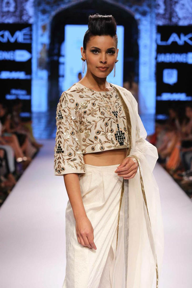 4-blouse-designer-by-payal-singhal