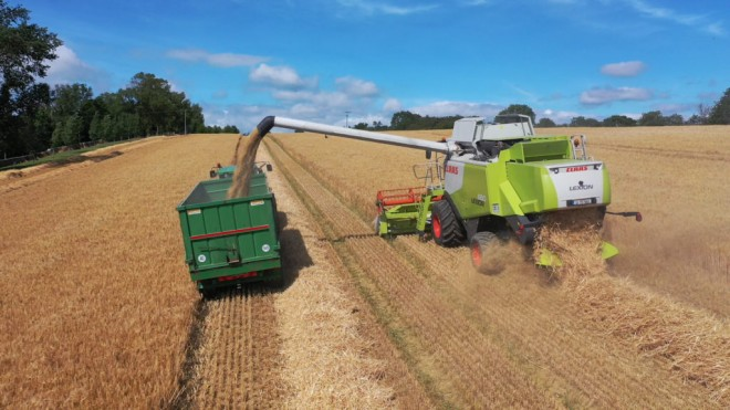 farmers weekly harvest in full swing in south tipperary