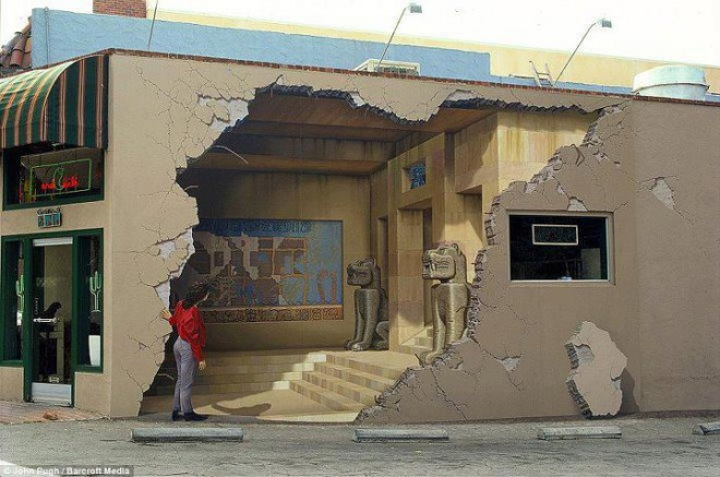 unbelieveable wall painting