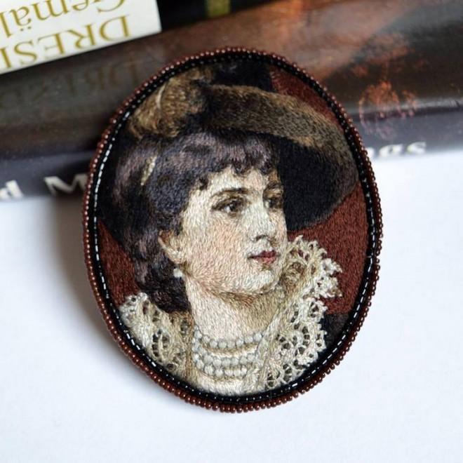 portrait embroidery art by maria vasilyeva