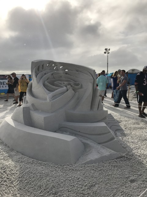 water dream sand sculpture by helena bangart and fergus