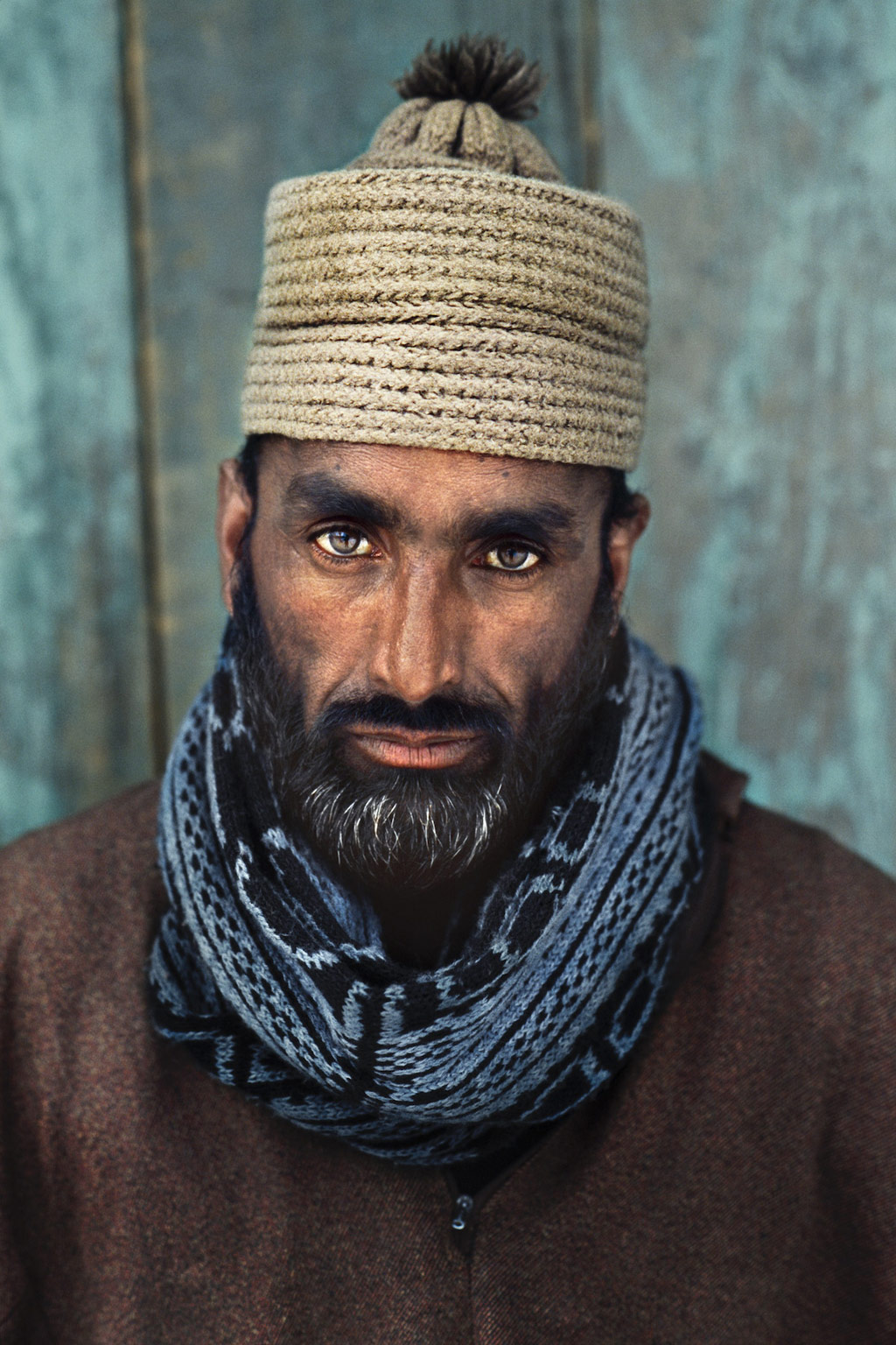 portrait photography man by steve mccurry
