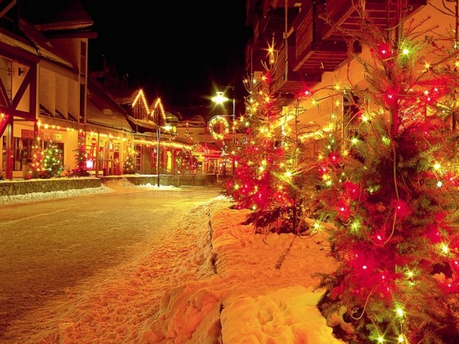 christmas snowy street wallpaper