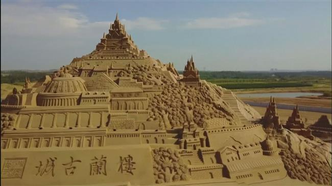 Massive Sand Sculptures created by talented Chinese Artists