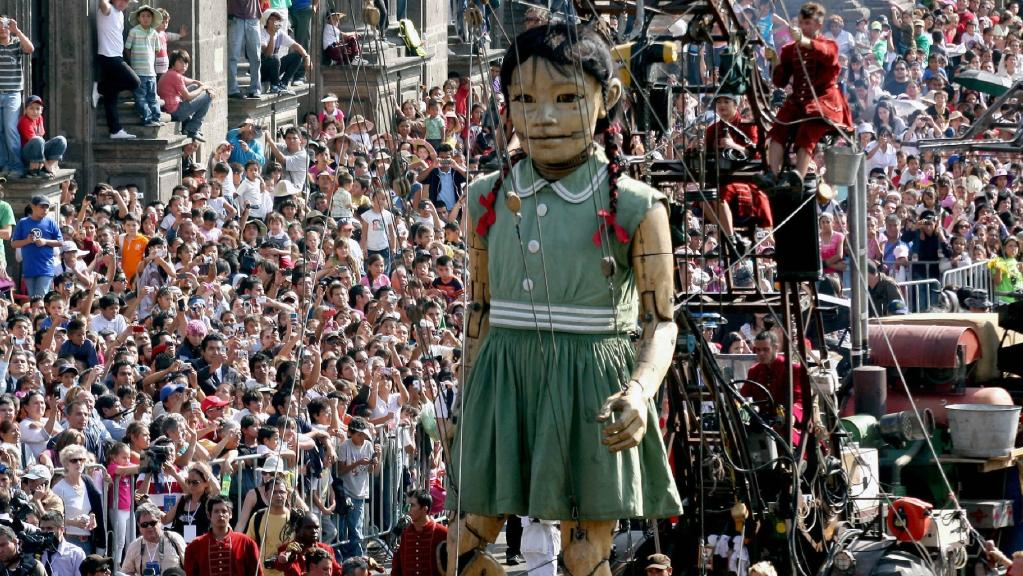 Worlds coolest puppet show