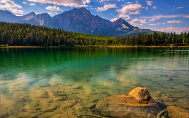 calm lake wallpaper